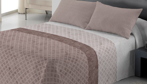 Bouti bedspread + cushion - bella donna - hazelnut Arryn