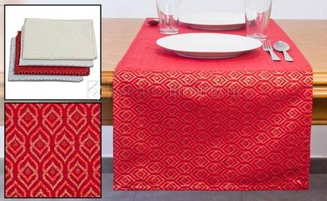 Table runner printed with Lurex CLASIC in several colors 45X140cm.